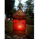 Orientalsk gylden lanterne med livetsblomst