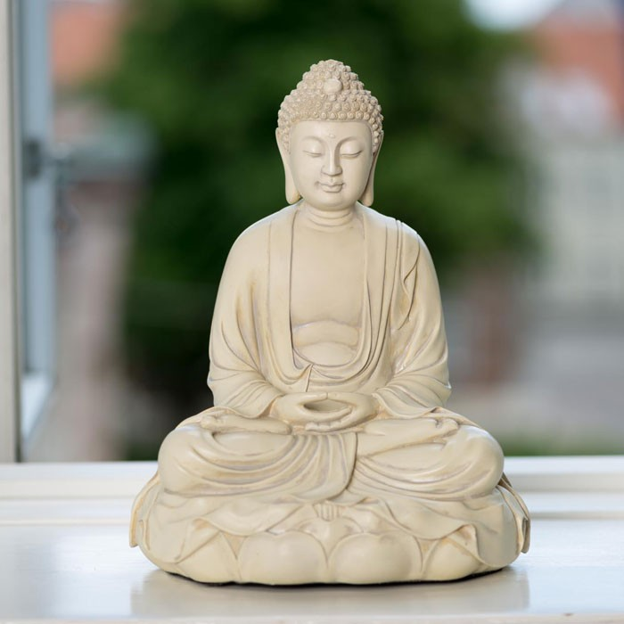 Massiv buddha figur i flot hvid fisnish for Buddha figur